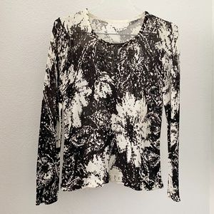 WHBM Black and white flower sweater top S/M